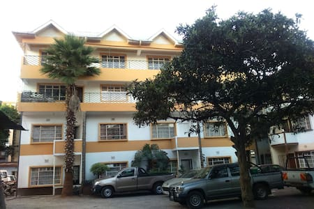 COSY 2 BEDROOM FLAT IN PARKLANDS,NAIROBI - Nairobi - Lakás