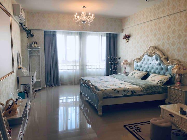 幸福家园北欧风情3D投影电视大床房