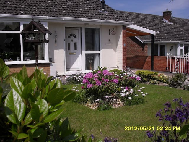 Double bedroom, Gresford - Wrexham - House