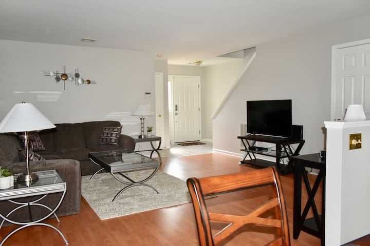Fully furnished, minutes from Hershey & Harrisburg