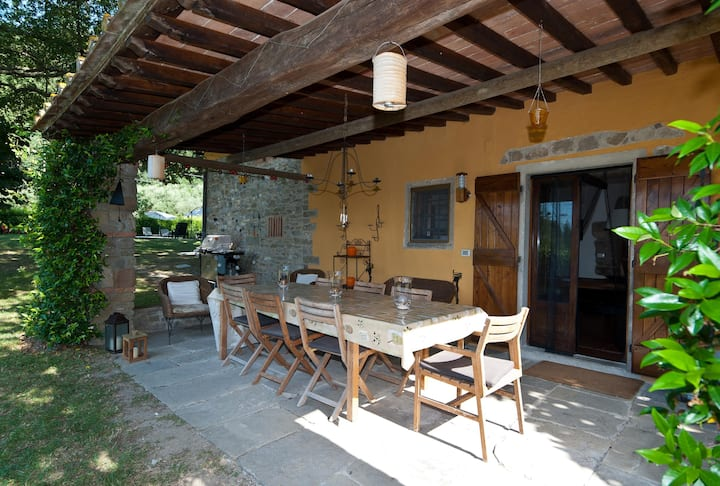 Magnificent 5 bedroom Villa in Luco di Mugello