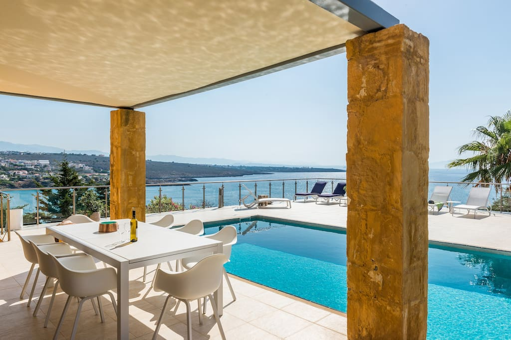 Private Swimming pool  and fantastic sea view
