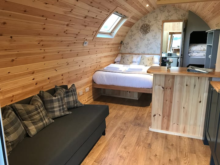 Luxury en-suite pods, stunning views - Hare Meadow