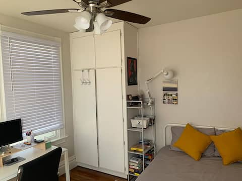 1 Bedroom/ 1 Bath in Rose Park, Queer Friendly
