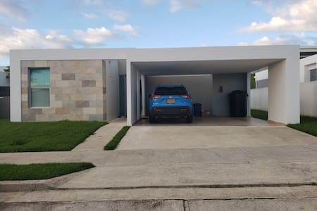 Private room/bath-doble gated community/ Caguas PR
