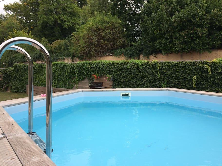 Chambre petit dej 39 complet maison sdb piscine bed for Piscine franche comte