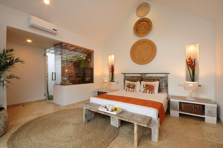 Bungalow1 VillaOceans. Luxury in Canggu, Bali