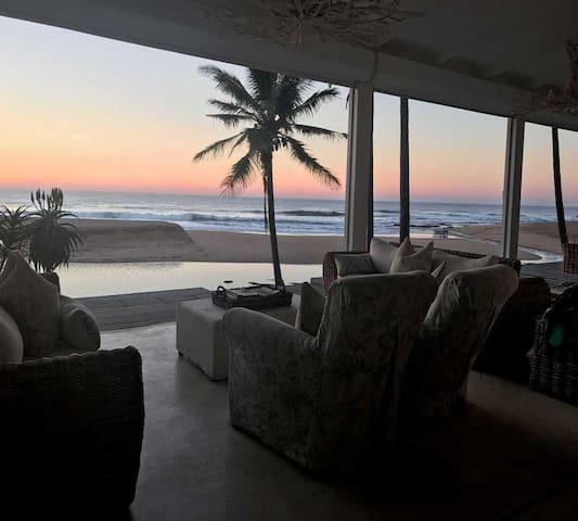 THE WHITE HOUSE, 65 Nkwazi Drive, Zinkwazi Beach