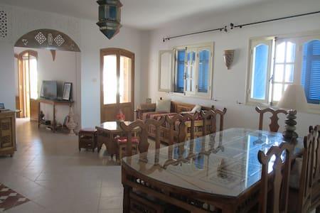 Bel appartement de vacances dans le village Hergla - Hergla - Lejlighed