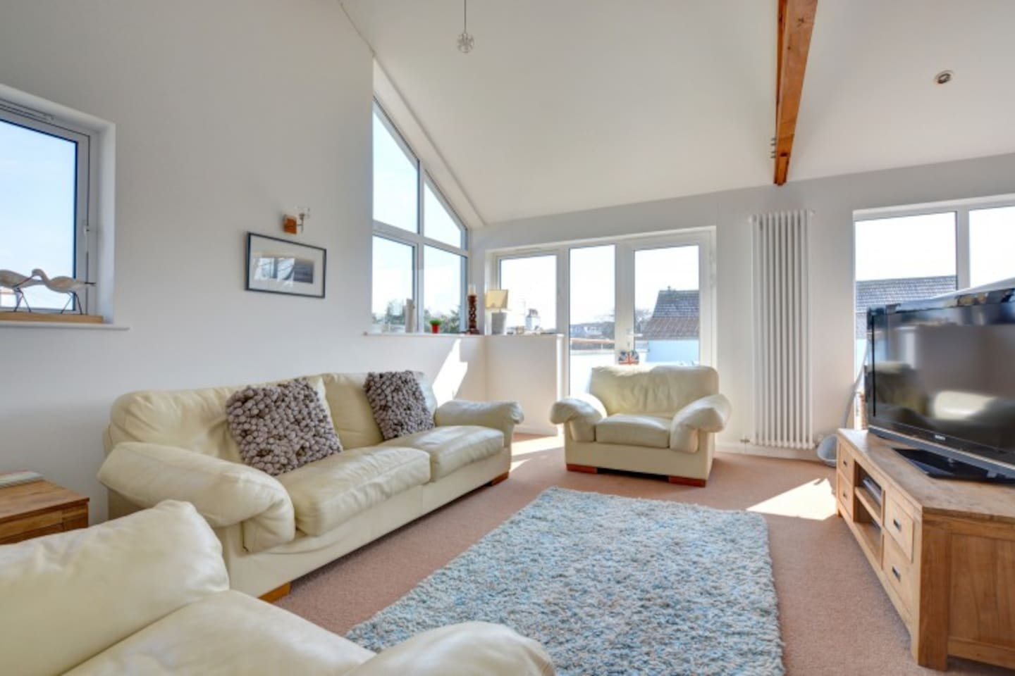Open plan living, a short stroll from Saundersfoot's harbour and beaches.