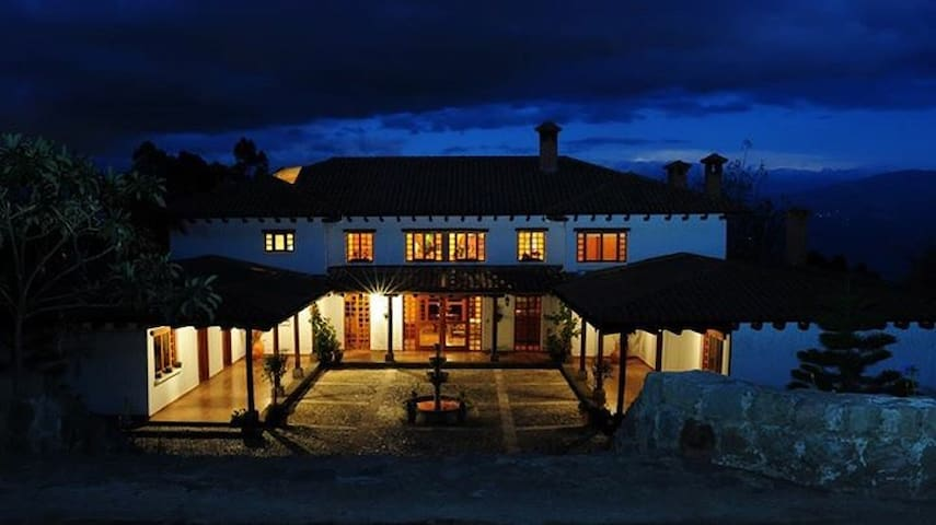 "★Family Getaway! Magical ""Hacienda"" on the Andes ★"