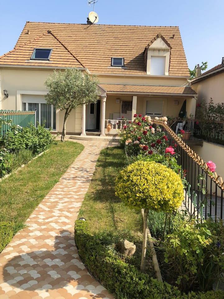 Apartment with 3 bedrooms in Sannois, with enclosed garden and WiFi