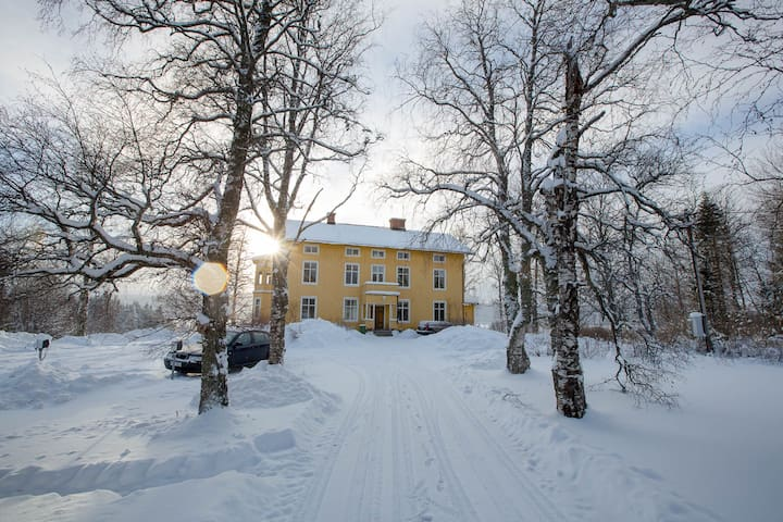 Farmhouse apartment 25 minutes from Åre • 65 m²