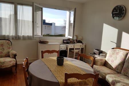 sous location lorient location courte dur e chambres louer airbnb lorient chambre a. Black Bedroom Furniture Sets. Home Design Ideas