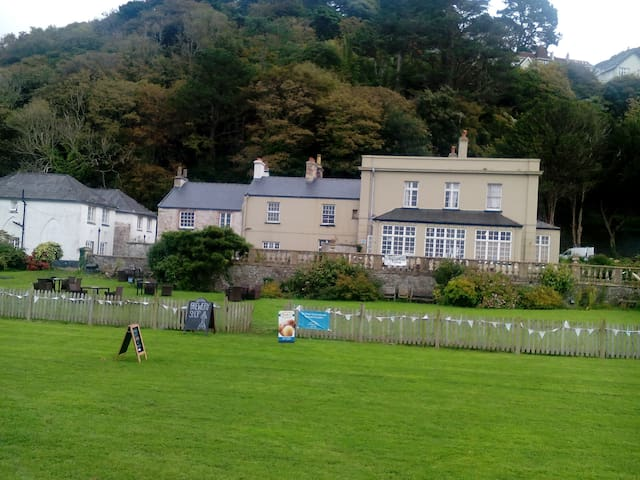 Realms House at Lynmouth Manor - on the seafront!