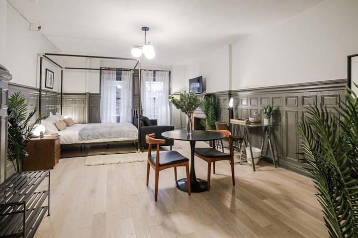 Spacious Queen Studio in Upper West Side