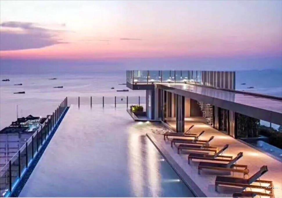 泰国芭提雅 The BASE 海景房 市中心 无边泳池 带健身房