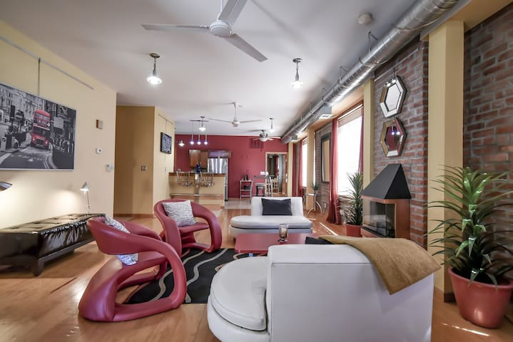 Unique Luxury Loft in Columbus Park