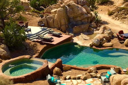 Dream Catcher Ranch W/Pool /jacuzzi - Yucca Valley