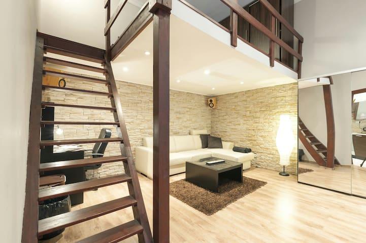 Budapest Stylish Apartment next to Gozsdu