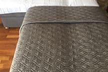 Mini Full Bed (1 adult or 2 kids)
