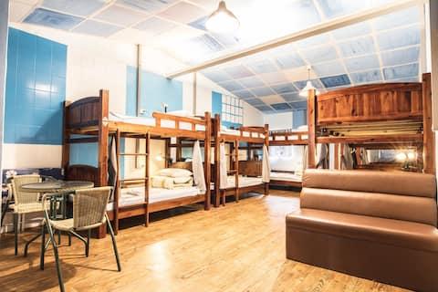 ??? 10-bed Female Dorm@On My Way Jiufen Hostel