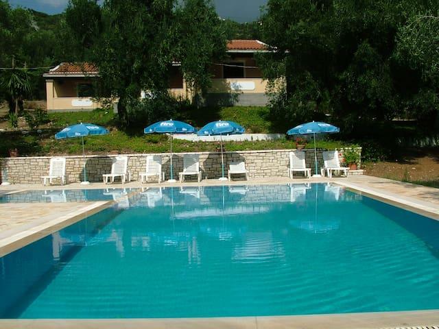 villa stefanos with pool - Corfu - Bungalow