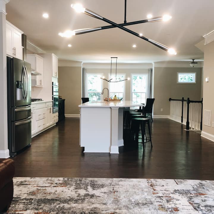 Emory/CDC Townhouse! Fast WIFI & parking FREE