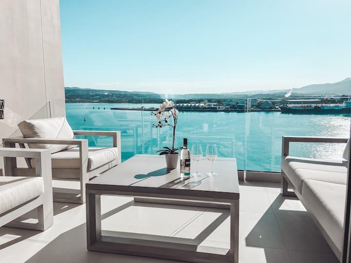 2BR Luxury Oceanfront Apartment