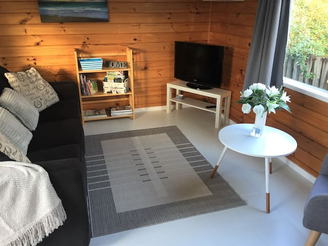 Tui Cottage - 2 Bedroom Unit