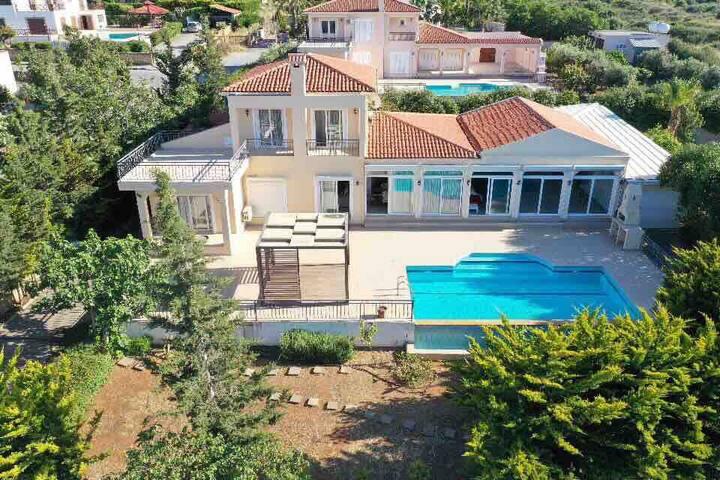 Villa Dolphin 5 min from Kyrenia Centre