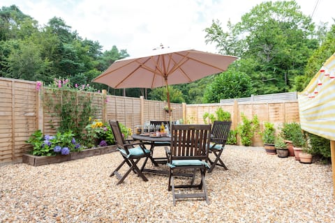 Lovely Self Contained Detached Annexe in Alderholt
