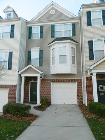 Cozy and Convenient Furnished Townhome w/view
