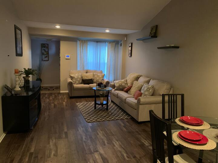 Looking for monthly tenant for furnished room !