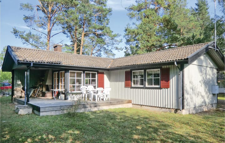 Stunning home in Färjestaden with 2 Bedrooms