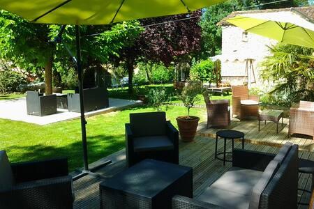 Gîte Piscine Pool house Cuisine pro AU DIAPASON - Cézan - 獨棟