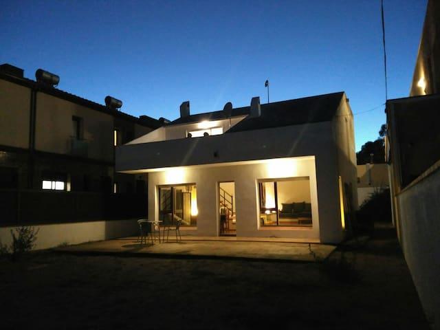 CCI / 3 Double rooms for 6 near sea - Sant Antoni de Calonge - Hus
