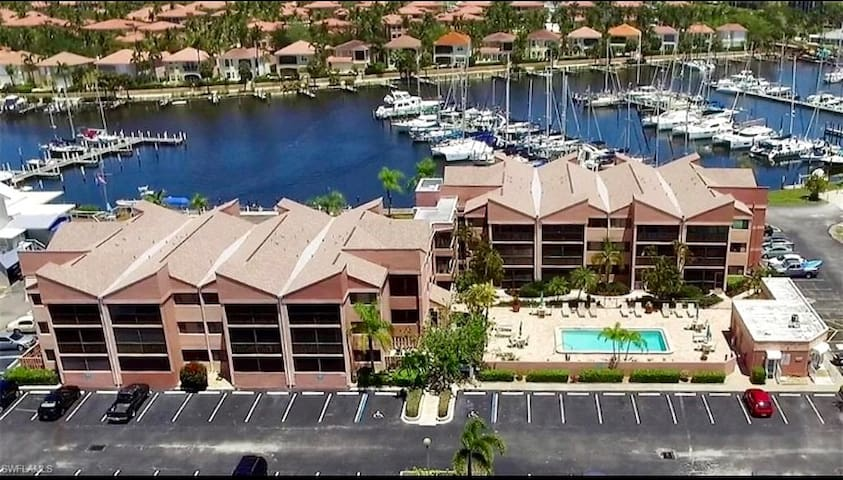 Stunning Burnt Store Marina, Condo. Newly Updated!