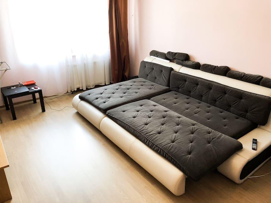 От двух до четырех спальных мест в зависимости от вашего роста (: