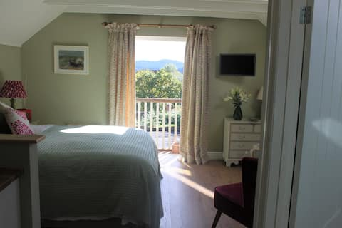 Private Annexe  Nr Goodwood - Views to South Downs