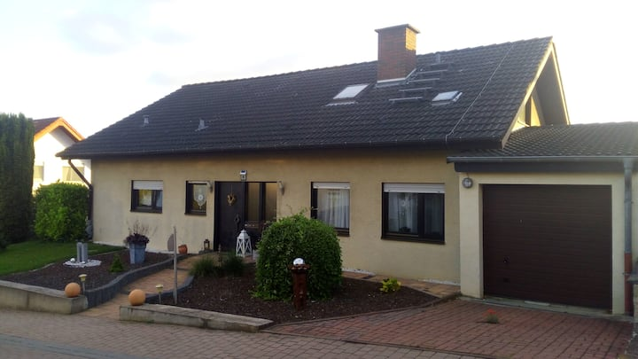 Lenas Ferienzimmer (mit Küche)