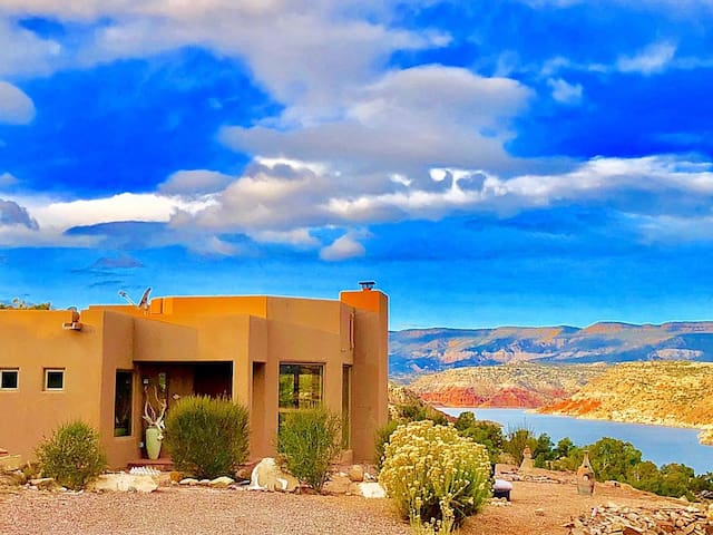 Abiquiu's Luxury Lakefront Home! 360 Views! A/C, Hot Tub, WIFI, Cable, Hiking.