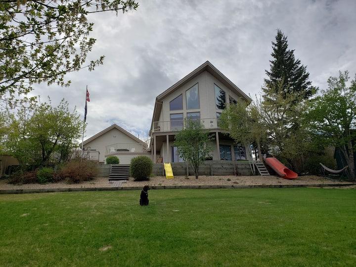 Beautiful Lake view House on Buffalo Lake, AB.