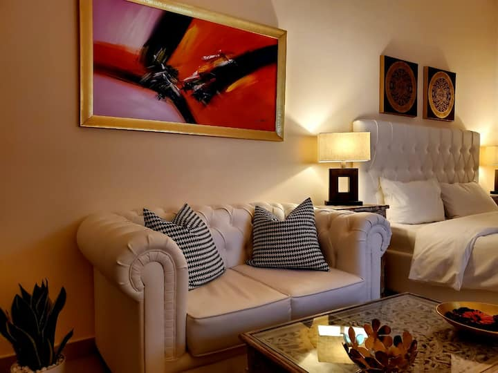 ★★★★ PRIVATE SUITE Royal Breeze 802 + FREE WIFI