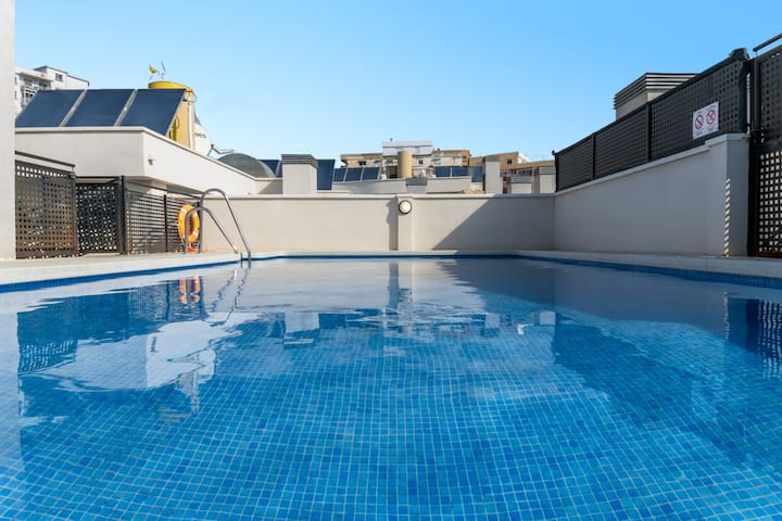 NEW Stylish&Modern City Centre Pool&Parking WIFI