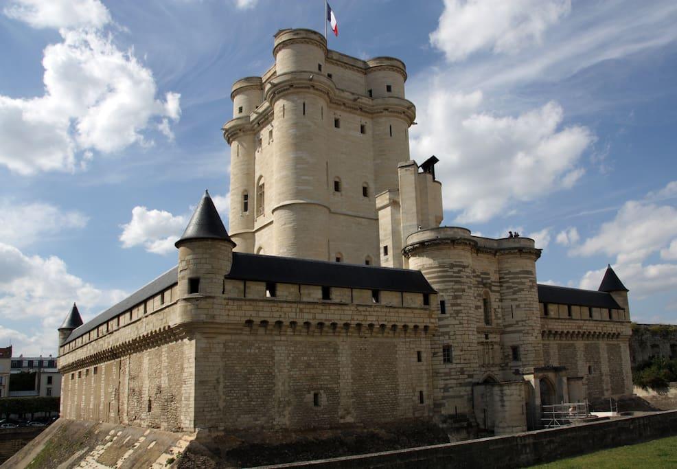 A 5 minutes du studio, le château de Vincennes, somptueux !