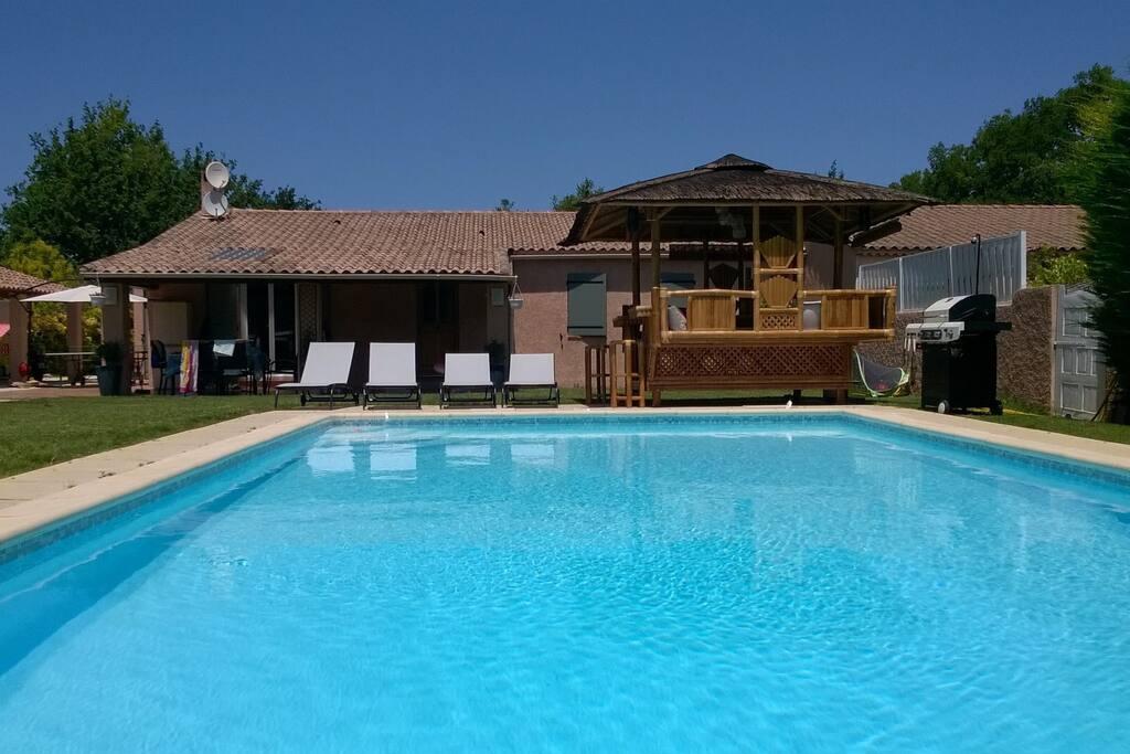 Villa de charme avec piscine proche centre ville villas - Piscine d aix en provence ...