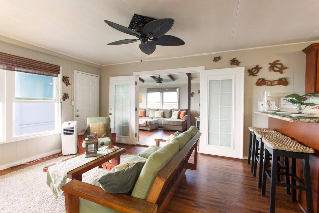 This remodeled rental is ideally located on the North side of O`ahu, this rental has breathtaking mountain and ocean views – all yours to enjoy during your stay. The Turtle Cabana is fully furnished and comprised of an open living room with direct ocean views.