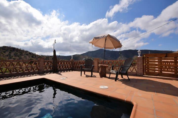 Villa soleggiata con piscina privata sulla costa spagnola