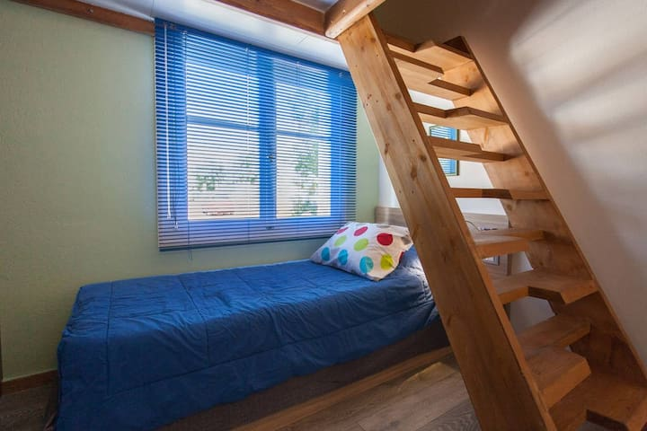 single bed 90X200, staircase to the loft